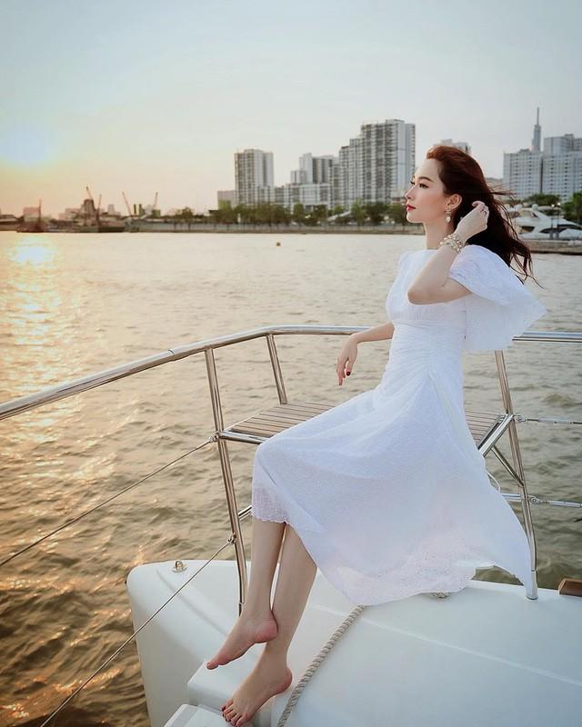 7 năm sau ngày đăng quang Hoa hậu Việt Nam,  Đặng Thu Thảo thay đổi thế nào sau 7 năm đăng quang? - Ảnh 9.