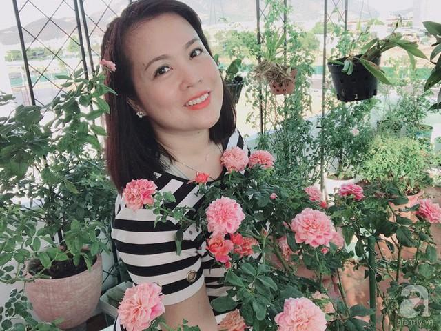 Sân thượng hoa hồng đẹp mộng mơ như trong cổ tích của cô giáo dạy Văn ở thành phố biển Nha Trang - Ảnh 2.