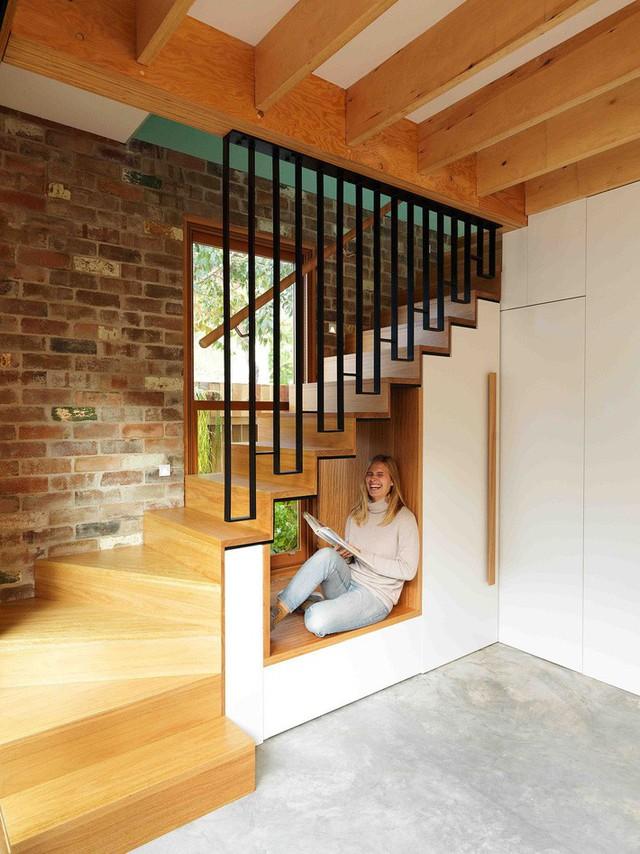 Ngôi nhà 2 tầng mang tới cảm giác thông minh, phong cách và thân thiện với môi trường. - Ảnh 2.