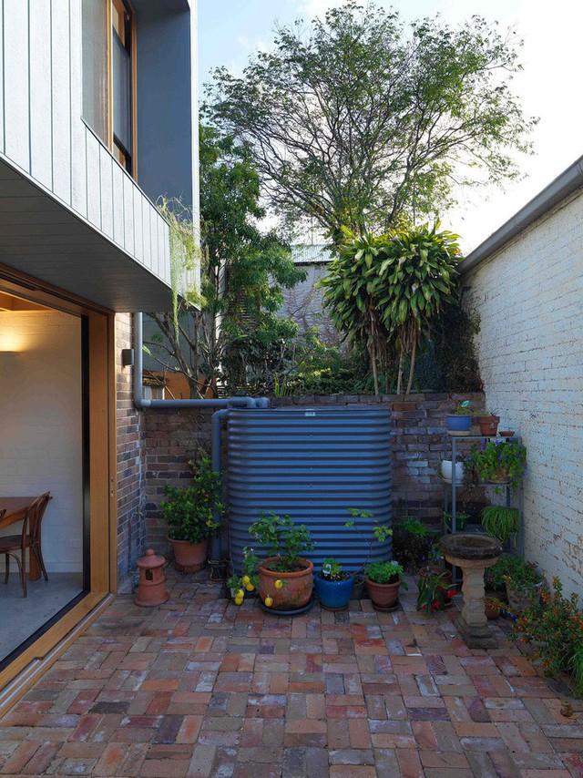Ngôi nhà 2 tầng mang tới cảm giác thông minh, phong cách và thân thiện với môi trường. - Ảnh 7.