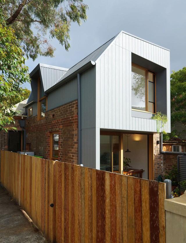Ngôi nhà 2 tầng mang tới cảm giác thông minh, phong cách và thân thiện với môi trường. - Ảnh 8.