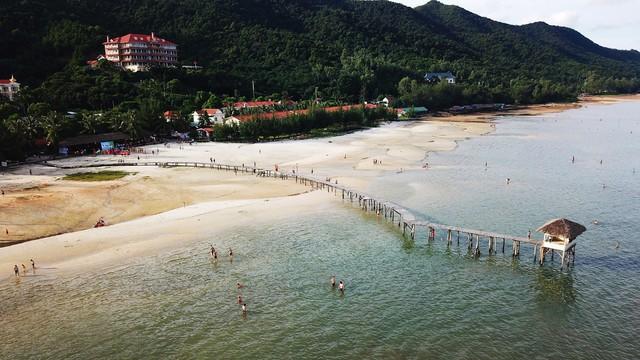 Đến Quảng Ninh - lạc bước ở Vân Đồn - Ảnh 9.