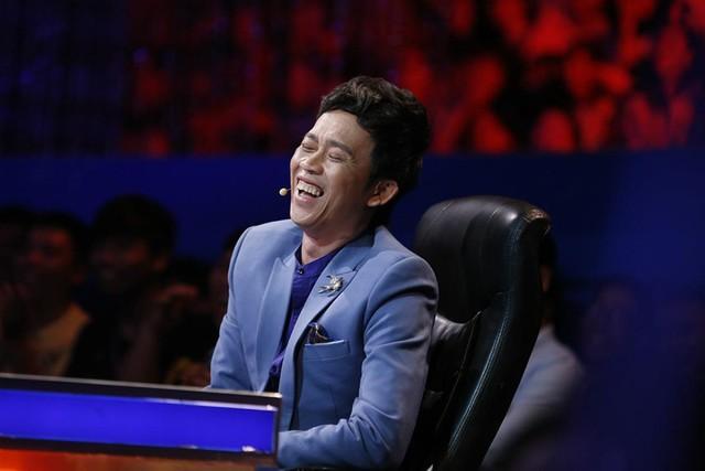 Vì sao Hoài Linh vắng mặt ở hàng loạt game show truyền hình? - Ảnh 1.