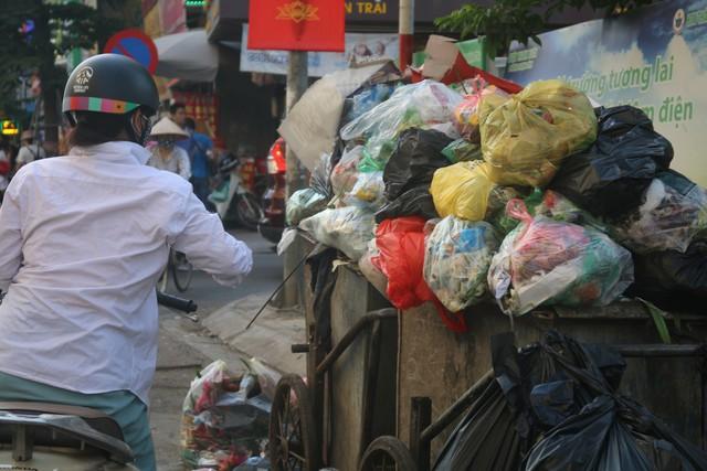 """Điểm mặt những """"điểm đen"""" giao thông ở Thủ đô Hà Nội - Ảnh 5."""