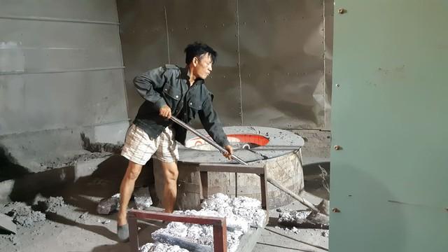Hải Phòng: Người dân xã Mỹ Đồng kêu cứu vì khói thải từ xưởng cô nhôm - Ảnh 4.