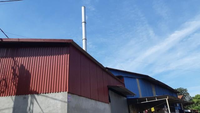 Hải Phòng: Người dân xã Mỹ Đồng kêu cứu vì khói thải từ xưởng cô nhôm - Ảnh 1.