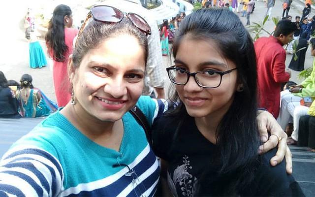 Nữ diễn viên Ấn Độ giết con gái rồi tự tử - Ảnh 1.