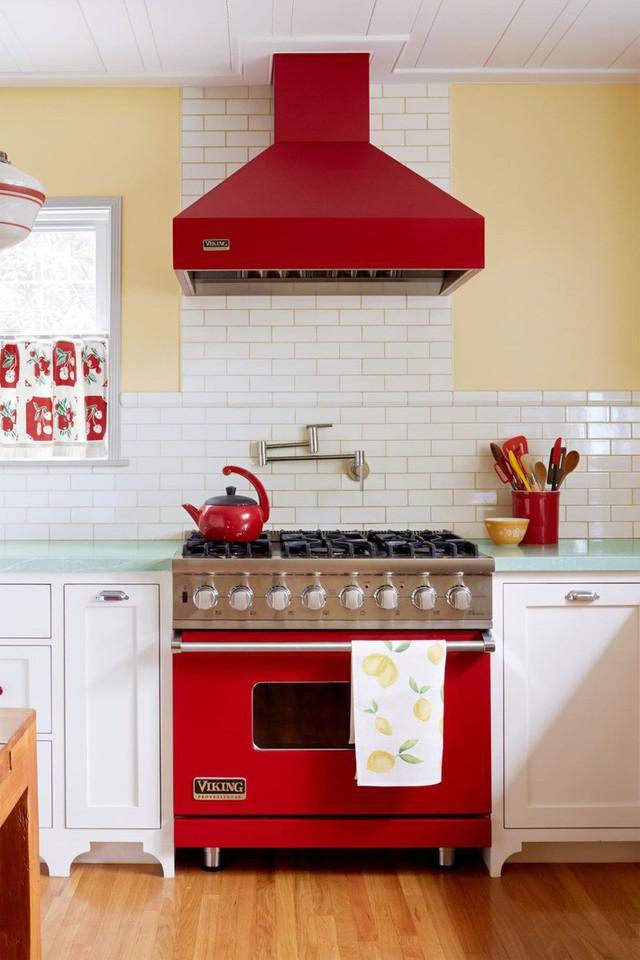13 thiết kế bếp nhỏ với phong cách Retro khiến bạn không thể không ngắm nhìn - Ảnh 1.