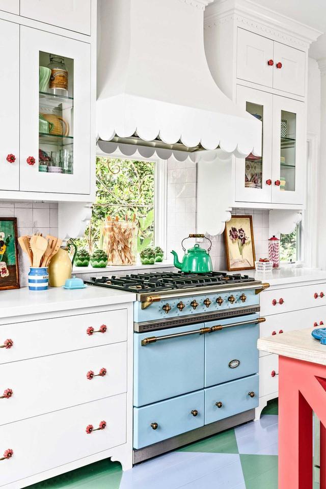 13 thiết kế bếp nhỏ với phong cách Retro khiến bạn không thể không ngắm nhìn - Ảnh 2.