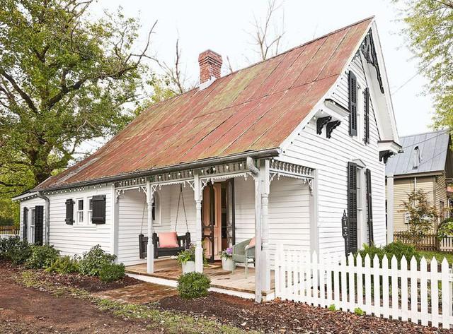 10 ý tưởng tạo hàng rào màu trắng lãng mạn cho ngôi nhà thêm ngọt ngào - Ảnh 1.