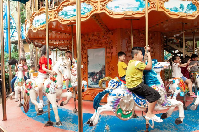 Các nhóc tì trầm trồ với Vũ hội hóa trang độc đáo ngay tại Hà Nội - Ảnh 12.