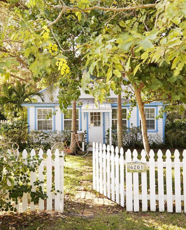 10 ý tưởng tạo hàng rào màu trắng lãng mạn cho ngôi nhà thêm ngọt ngào - Ảnh 3.