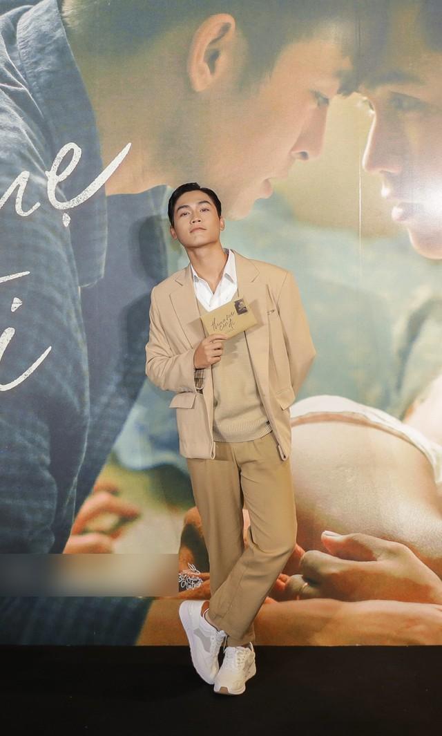 Trai đẹp của Chi Pu, Hương Tràm tiết lộ về cảnh nóng đồng tính - Ảnh 4.