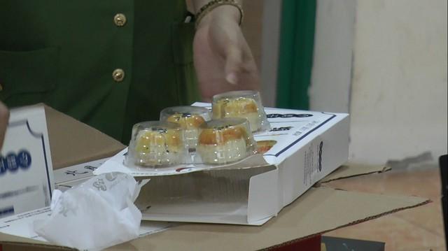 Hà Nội: Bắt giữ hàng nghìn chiếc bánh trung thu trứng chảy Trung Quốc không rõ nguồn gốc - Ảnh 2.