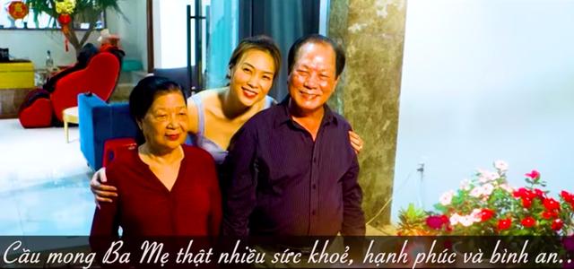 Muôn cách báo hiếu của nghệ sĩ Việt mùa Vu lan  - Ảnh 2.