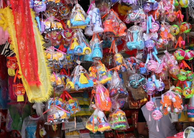 Đồ chơi made in Việt Nam bất ngờ lấn át Trung Quốc tại Hàng Mã trước mùa Trung thu - Ảnh 5.