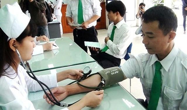 Hà Nội công bố 10 cơ sở y tế đủ điều kiện khám sức khoẻ lái xe - Ảnh 1.