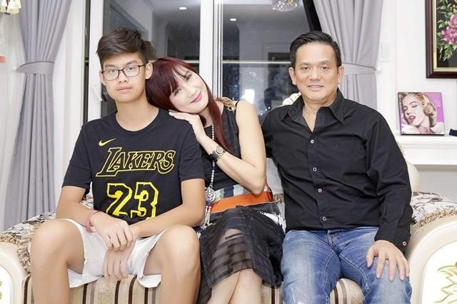 Cuộc sống của diễn viên Hiền Mai ở tuổi 52 - Ảnh 1.