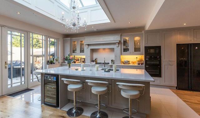 Muốn nhà bếp vừa đẹp vừa sang thì chọn ngay chất liệu đá cẩm thạch - Ảnh 12.