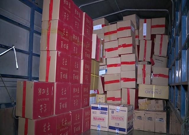 Lộ đường dây buôn lậu bánh trung thu Trung Quốc siêu lợi nhuận - Ảnh 2.