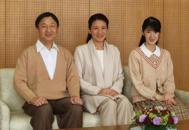 Công chúa Nhật Bản từng gây sốc với gương mặt hốc hác, thân hình da bọc xương cùng nguyên nhân gây tranh cãi - Ảnh 3.