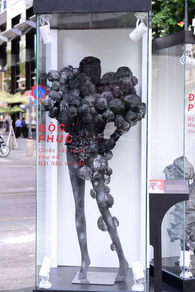 Điểm check-in mới nổi 1 ngày duy nhất – BST thời trang không ai muốn mặc xuất hiện ở phố đi bộ - Ảnh 5.