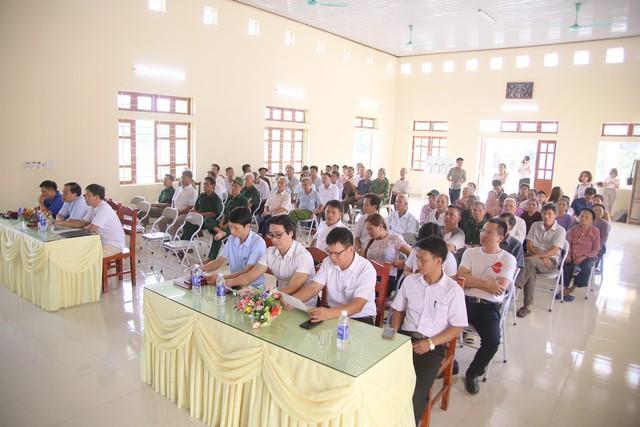 Báo Gia đình và Xã hội trao quà tặng đến gia đình chính sách có hoàn cảnh khó khăn ở Tuyên Quang - Ảnh 3.