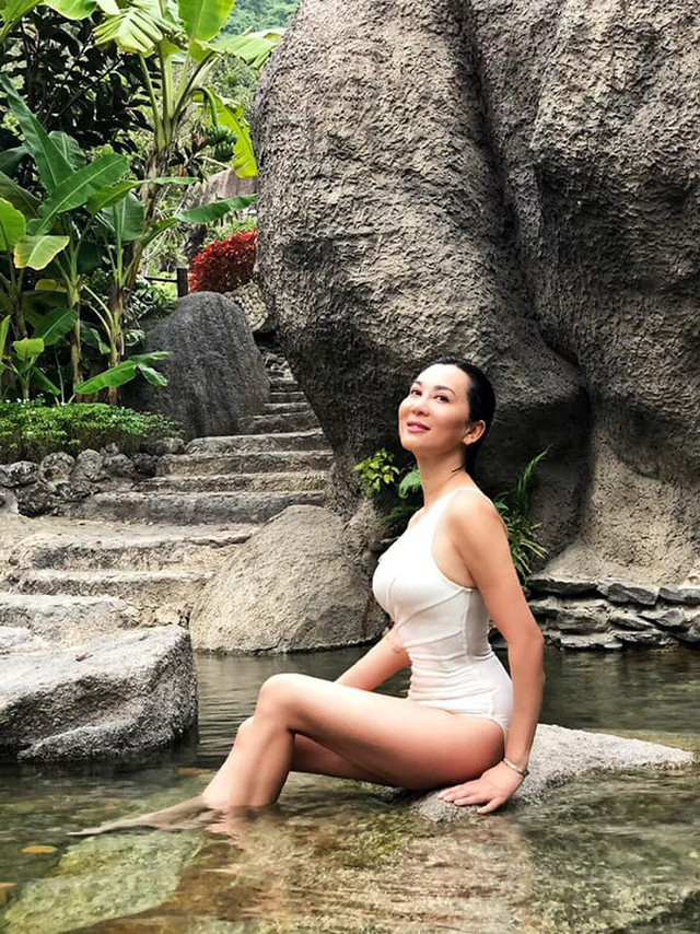 U60 vẫn sexy khó cưỡng, MC Nguyễn Cao Kỳ Duyên tiết lộ bất ngờ - Ảnh 7.