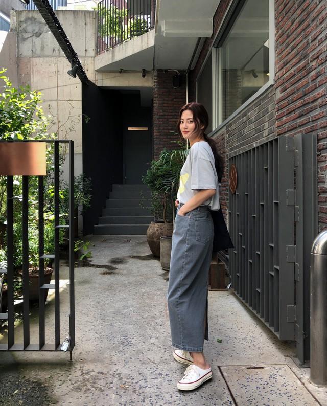 Chân váy dài chắc suất trong danh sách những items hot nhất mùa thu 2019 và 3 cách diện không lo dìm dáng - Ảnh 8.