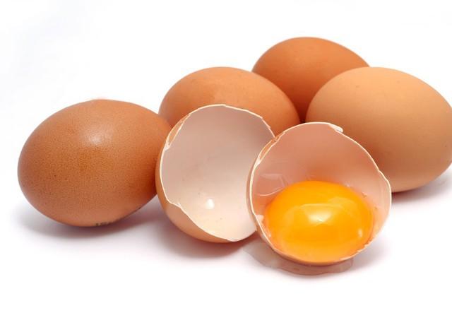 Ăn trứng tốt cho sức khỏe nhưng với người này lại không nên ăn - Ảnh 1.
