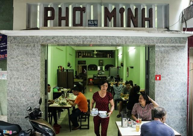 Từ gánh rong đến quán phở Minh nổi tiếng 70 năm ở Sài Gòn - Ảnh 2.