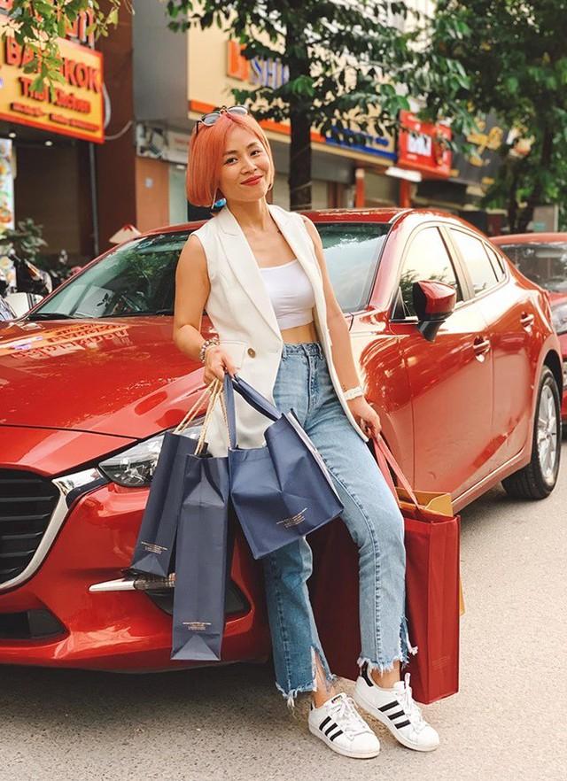Loại ảnh sexy mới của MC Hoàng Linh gây tranh cãi - Ảnh 4.