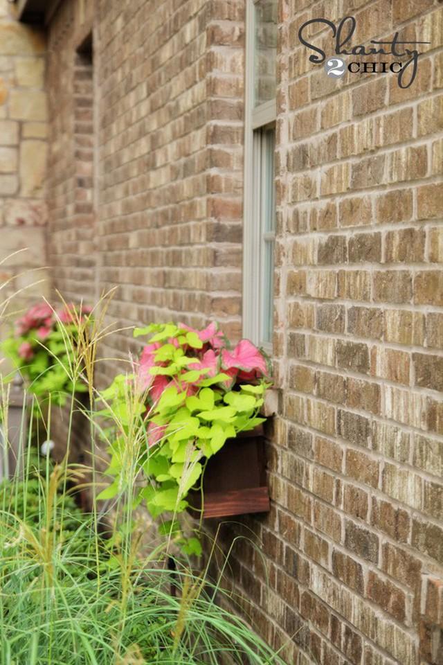 Không gian sống đẹp chất ngất nhờ những chiếc hộp trồng cây tự làm gắn cửa sổ - Ảnh 4.