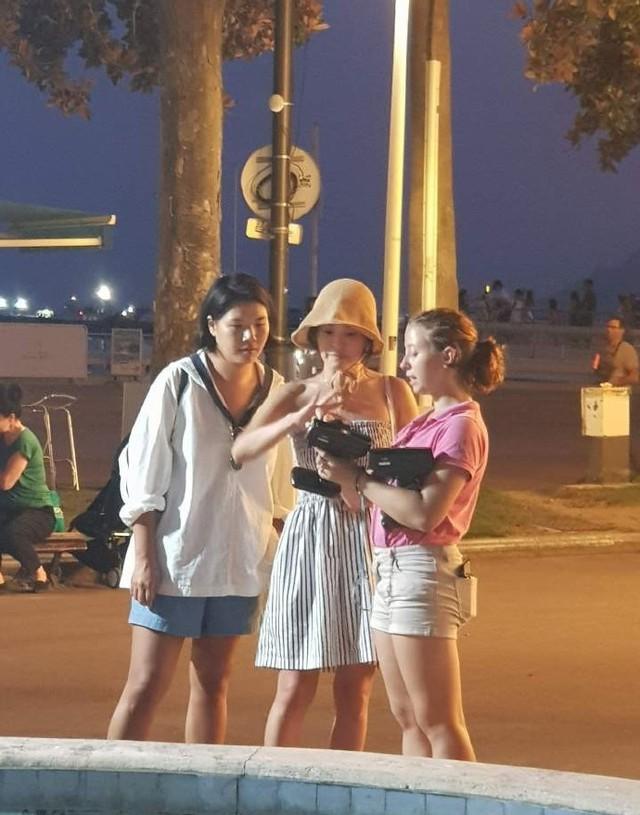 Hậu ly hôn, Song Joong Ki trốn mất tăm còn Song Hye Kyo lại ngày càng sexy không ngại khoe da thịt đi chơi muôn nơi - Ảnh 5.