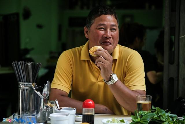 Từ gánh rong đến quán phở Minh nổi tiếng 70 năm ở Sài Gòn - Ảnh 8.