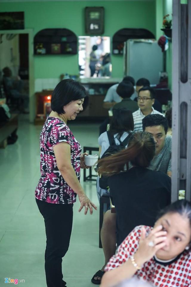 Từ gánh rong đến quán phở Minh nổi tiếng 70 năm ở Sài Gòn - Ảnh 10.