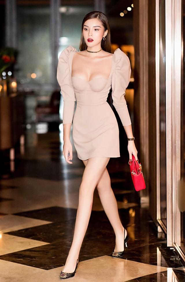 Hoa hậu Kỳ Duyên khoe ngực ngồn ngộn, lấn át cả nhân vật chính Diệp Lâm Anh - Ảnh 3.