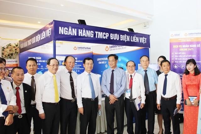 Lienvietpostbank và tỉnh Phú Yên ký kết thỏa thuận hợp tác thúc đẩy thanh toán không dùng tiền mặt - Ảnh 2.