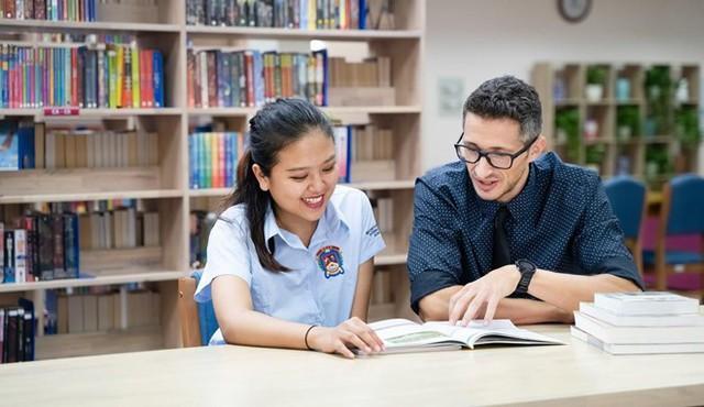 Học phí cao nhất của trường quốc tế ở Hà Nội là hơn 700 triệu/năm - Ảnh 1.