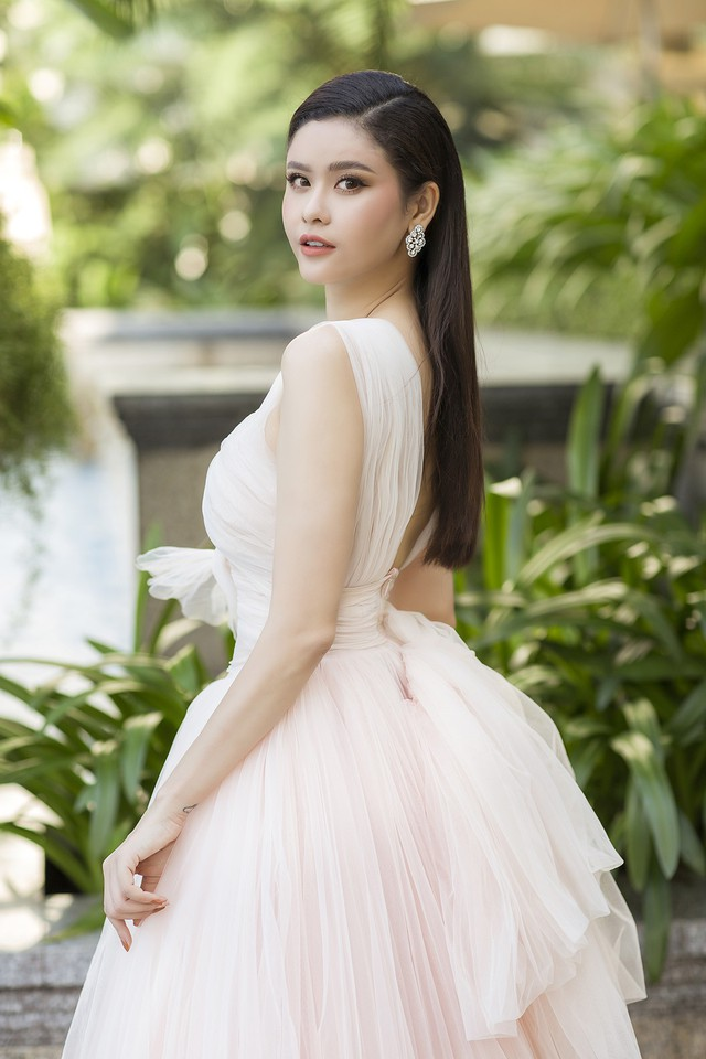 Tim vướng tin hẹn hò Đàm Phương Linh, Trương Quỳnh Anh tuyên bố: Chuyện bên ngoài cánh cửa tôi đã không quan tâm nữa - Ảnh 2.