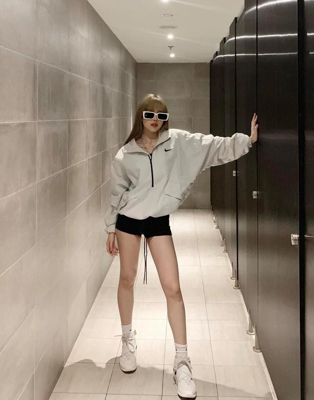 Bạn gái tin đồn của Sơn Tùng chuộng mặc đồ ngắn để tôn dáng - Ảnh 3.