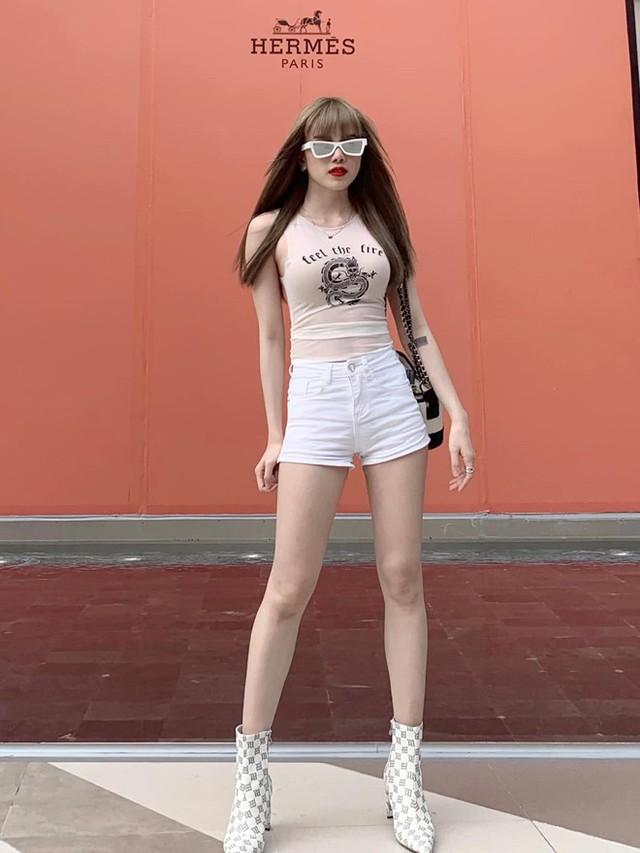Bạn gái tin đồn của Sơn Tùng chuộng mặc đồ ngắn để tôn dáng - Ảnh 10.