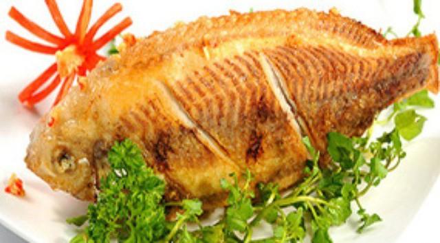 Những cách ăn cá vô tình rước độc vào thân - Ảnh 1.