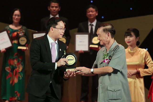 """Văn Phú - Invest được vinh danh """"Top 50 nhãn hiệu Nổi tiếng Việt Nam"""" - Ảnh 1."""