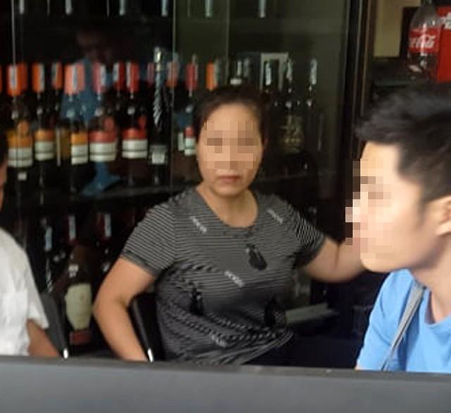 Bức xúc trước video chồng đánh vợ dã man dù vợ mới sinh con 2 tháng ở Hà Nội - Ảnh 3.