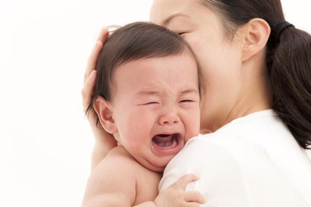 Con bỗng nhiên nổi mẩn sau uống sữa bò, mẹ cần biết những điều này để tránh con bị sốc phản vệ - Ảnh 2.