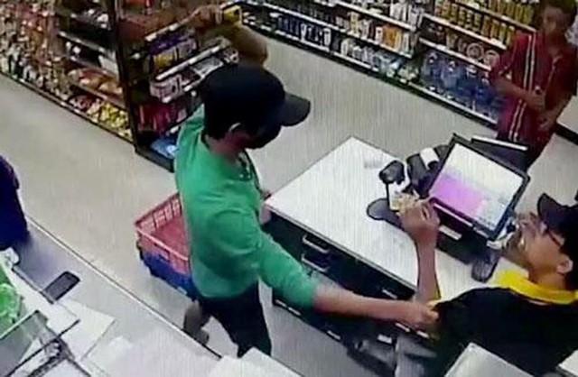 Nhóm thiếu niên cướp 11 cửa hàng tiện lợi sắp hầu tòa - Ảnh 2.