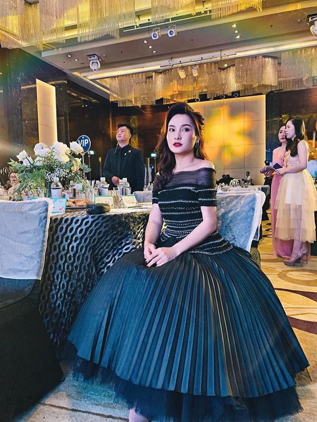 So kè style 3 nàng ngọc nữ 1990 của điện ảnh Việt: Người chăm diện đồ trễ nải, người thích diện đồ xì-tin hack tuổi triệt để  - Ảnh 14.
