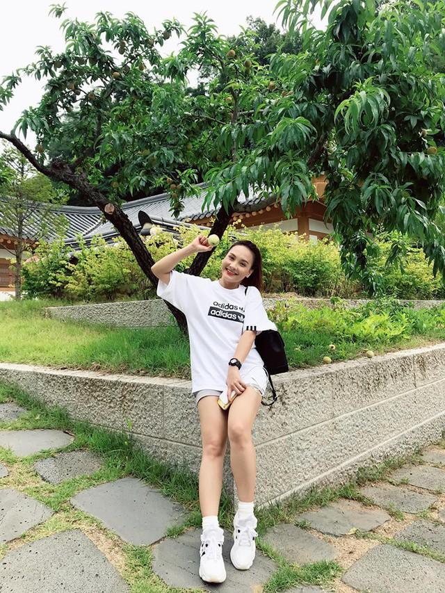 So kè style 3 nàng ngọc nữ 1990 của điện ảnh Việt: Người chăm diện đồ trễ nải, người thích diện đồ xì-tin hack tuổi triệt để  - Ảnh 16.