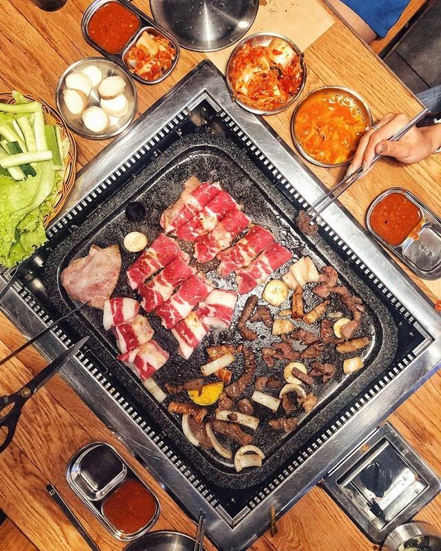 Cuối tuần, rủ bạn thân quét sạch 4 nhà hàng buffet nướng ở TP.HCM - Ảnh 5.